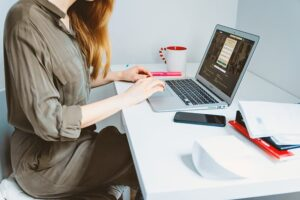 virtual assistant work from her laptop